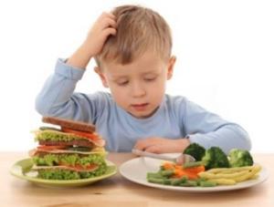 bambino-cibo-dubbio
